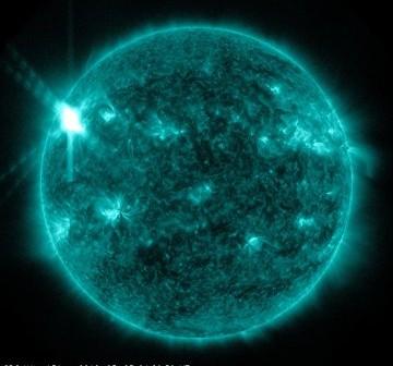 20 minut po fazie maksymalnej rozbłysku klasy X1.1. / Credits - NASA, SDO