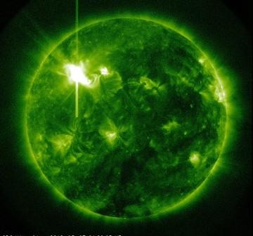 Stan na godzinę 02:00 CET - 07.03.2012 / Credits - NASA, SDO
