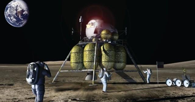 Oficjalna grafika NASA - obok lądownika Altair znajduje się flaga Polski / Credits - NASA