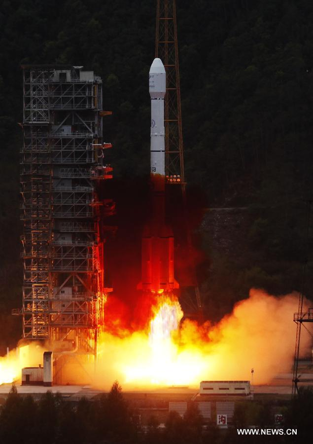 Start rakiety Długi Marsz 3B/E z satelitą Apstar-7 / Credits: Xinhua