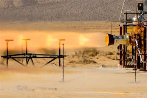 Test silnika systemu ratunkowego dla załogowego statku CST-100 firmy Boeing / Credits: Pratt & Whitney Rocketdyne