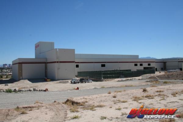 Budowana hala montażu modułów stacji Bigelowa w Nevadzie / Źródło: Bigelow Aeropsace