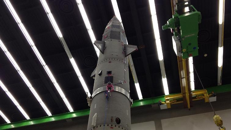 SHEFEX II w trakcie testów wibracyjnych / Credits: DLR