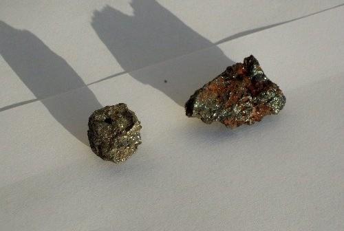 Domniemane meteoryty, które miały spaść w nocy z 27 na 28 kwietnia 2012 / Credits - Policja w Obornikach