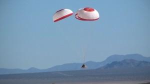Lądowanie makiety kapsuły CST-100 / Credits: Boeing