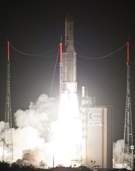Start Ariane 5 z 16 maja 2012/Credits: Arianspace