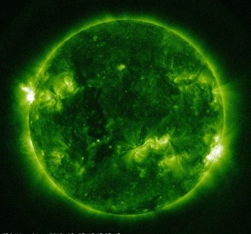 Widok Słońca w dniu 5 maja 2012 - tuż przed fazą maksymalną rozbłysku M1.4 / Credits - NASA, SDO