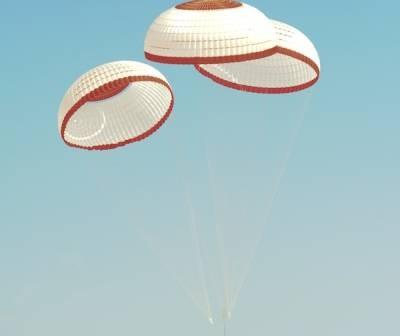 Testowy zrzut makiety prywatnej kapsuły CST-100 2 maja 2012 roku / Credits: Boeing