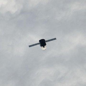 Kapsuła Dragon w okolicach ISS - zdjęcie z 24.05.2012 / Credits - NASA, Spacex