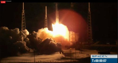 Rakieta Falcon 9 z pojazdem Dragon wyrusza w misję C2+ (SpaceX)
