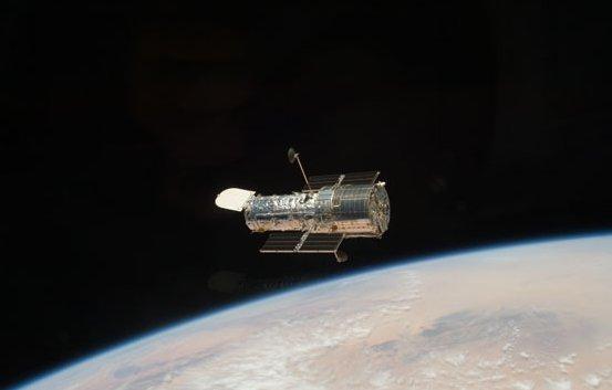 Teleskop Hubble, widziany podczas misji STS-125. Zdjęcie z 19 maja 2009 / Credits - NASA