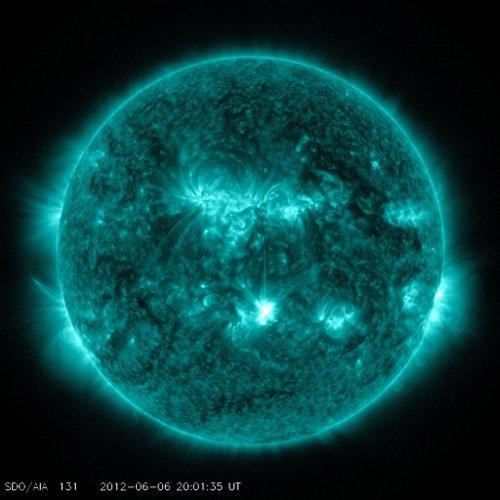 Obraz Słońca na 6 minut przed fazą maksymalną rozbłysku z 6 czerwca 2012 / Credits - NASA, SDO
