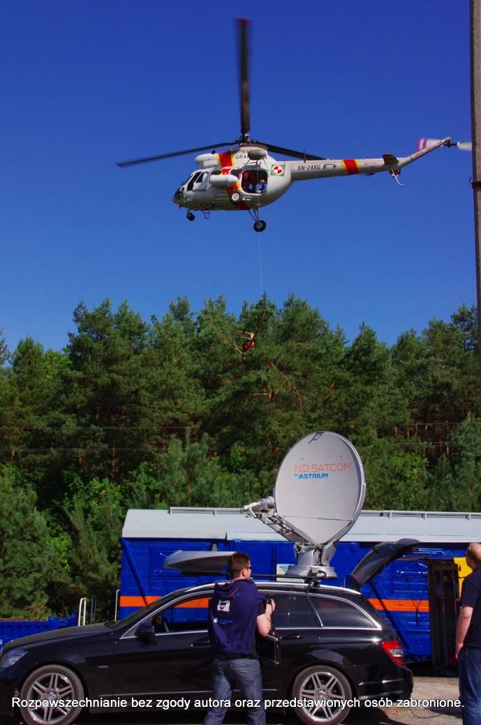 Ćwiczenia EU Carpathex 2011: anteny komunikacji satelitarnej wykorzystywane przez centrum dowodzenia i strażaków w terenie. Łączność satelitarna jest niezależna od infrastruktury terenowej i może być wykorzystywana niemal w dowolnym miejscu na świecie / Credits: Piotr Koza, Astri Polska