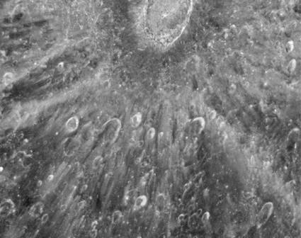 Krater Tycho na powierzchni Księżyca / Credits: NASA