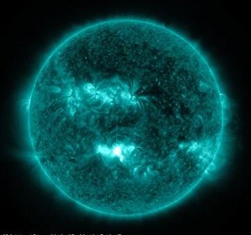 Rozbłysk klasy M5.6 z 2 lipca 2012 / Credits - NASA, SDO