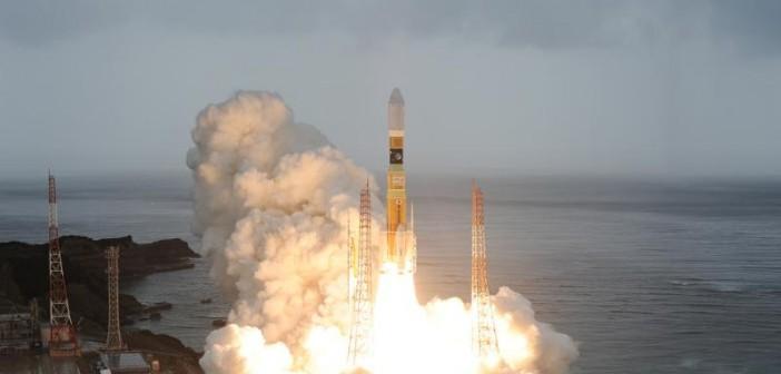 Start japońskiej rakiety H-2B ze statkiem HTV-3 / Credits: JAXA
