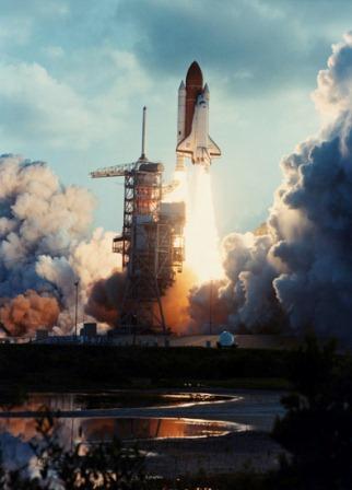 Start wahadłowca Challenger, 18 czerwca 1983, z pierwszą Amerykanką – astronautką na pokładzie. Misja STS - 7/ Credits: NASA