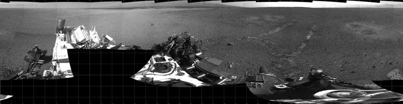 Mozaika zdjęć wykonana po pierwszej jeździe łazika - 22.08.2012 / Credits - NASA, JPL, Caltech