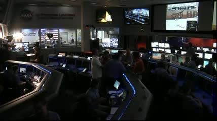 Godzina 05:14 CEST - widok na centrum kontroli misji MSL / Credits - NASA TV