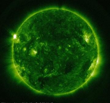 14 minut po fazie maksymalnej rozbłysku klasy M2.4 z 17 sierpnia 2012 / Credits - NASA, SDO