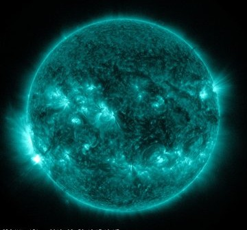 Słońce sześć minut po fazie maksymalnej rozbłysku z 30 sierpnia 2012 / Credits - NASA, SDO