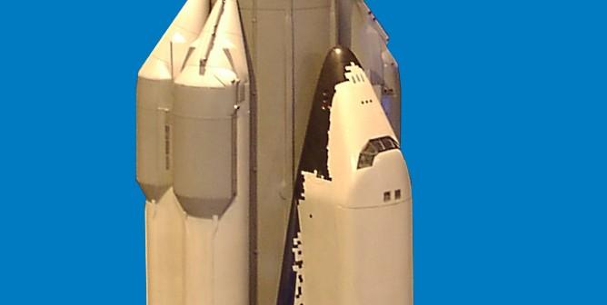 Model rakiety Energia z wahadłowcem Buran / Credits: HPH, CC-BY 3.0