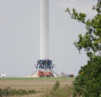 Grasshopper na stanowisku startowym / Credits: SpaceX