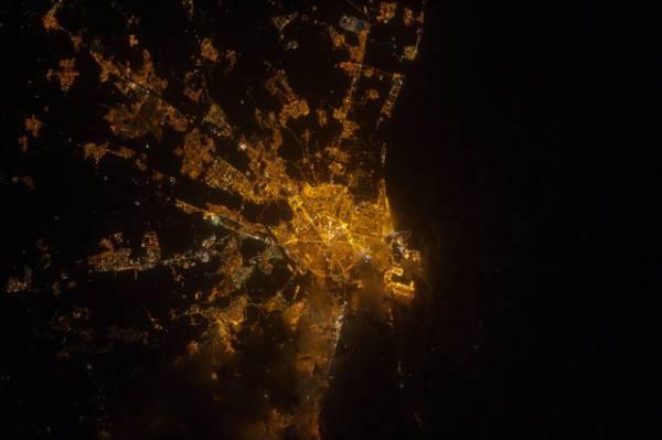Trzecie największe miasto Hiszpanii - Walencja, widziane ze Stacji ISS 4 sierpnia tego roku / Credits: NASA