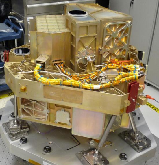 Sprzężone instrumenty FGS i NIRISS przechodzą testy kriogeniczne w zakładzie producenta w Kanadzie / Credits: COM DEV Canada