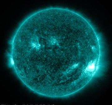Tuż przed fazą maksymalną rozbłysku z 10 września 2012 / Credits - NASA, SDO