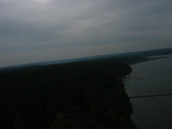 Jedno z pierwszych zdjęć wznoszącego się balonu - widoczny brzeg jeziora Charzykowskiego w okolicy miejscowości Funka / Credits - zespół Hevelius