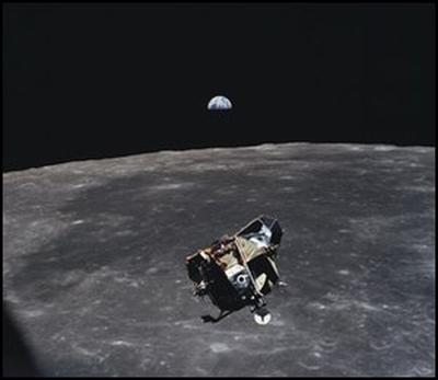 Moduł powrotny Orła - po powrocie z powierzchni Księżyca / Credits - NASA