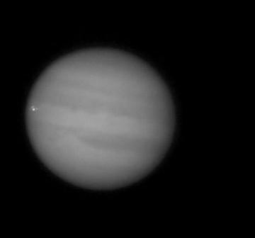 Moment uderzenia obiektu w Jowisza / Credits - George Hall