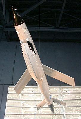 Samolot bezzałogowy Ryan 147B Lightning Bug, stanowiący rozwinięcie drony Ryan 147A Fire Fly (Wikipedia)