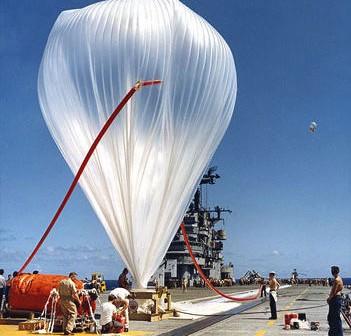 Balon stratosferyczny programu 'Skyhook' (National Air and Space Museum, Smithsonian Institution)