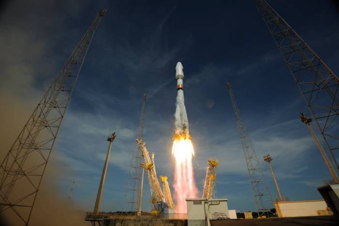 Start rakiety Sojuz 2-1b z satelitami Galileo IOV / Credits: ESA–S. Corvaja, 2012