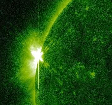 Faza maksymalna rozbłysku klasy M2.3 z 08.10.2012 / Credits - NASA, SDO