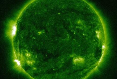 Minuta po rozbłysku klasy M1.7 - 10.10.2012 / Credits - NASA, SDO