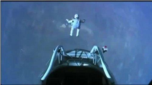 Felix Baumgartner rozpoczyna swój historyczny skok - 14.10.2012 / Credits - Red Bull Stratos