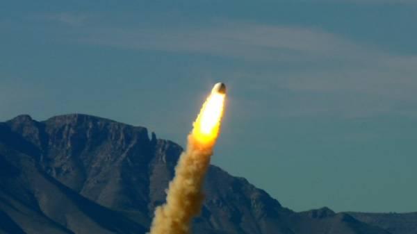 Demonstracja ratunkowego systemu ucieczkowego firmy Blue Origin / Credits: Blue Origin