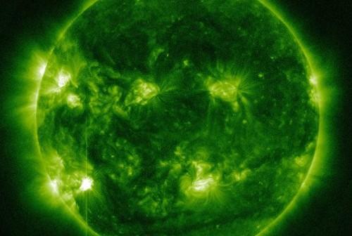 Tuż przed fazą maksymalną rozbłysku klasy M6.0 - 13.11. 2012 / Credits - NASA, SDO