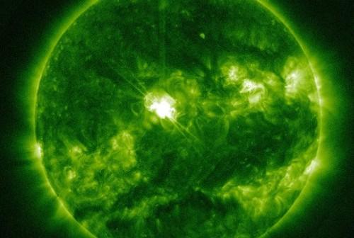 2 minuty po fazie maksymalnej rozbłysku klasy M3.5 - 21.11. 2012 / Credits - NASA, SDO