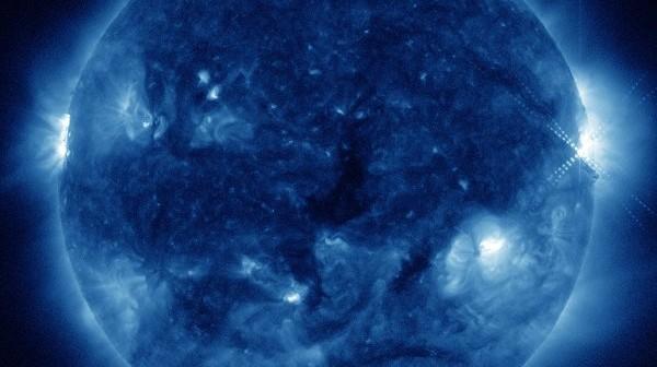 Pięć minut po fazie maksymalnego rozbłysku klasy M1.6 / Credits - NASA, SDO