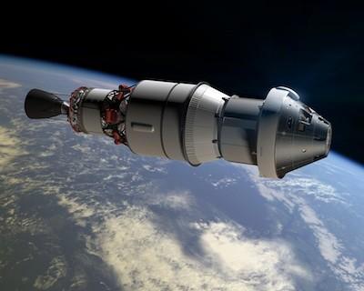 Wizja artystyczna statku Orion oraz górnego stopnia rakiety nośnej w czasie misji EFT-1 w 2014 roku / Credits: NASA
