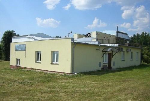 Foto 1. Budynek stacji laserowej Borowiec / Foto OA Borowiec.