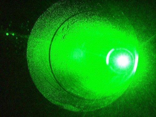 Foto 5. Wiązka laserowa 'na wyjściu' teleskopu. / Foto OA Borowiec.