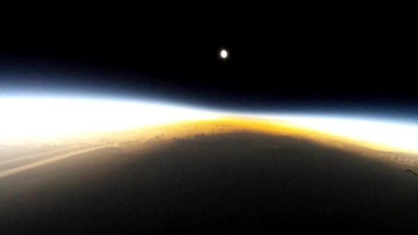 Ujęcie z misji Eclipser 1 / Credits - zespół misji Eclipser 1