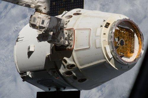 Dragon tuż po odłączeniu od ISS - 28.10.2012 / Credits - NASA