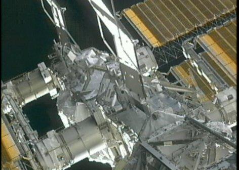 Astronautka Williams zaczyna pracę na P6 - około 13:45 CET / Credits - NASA TV