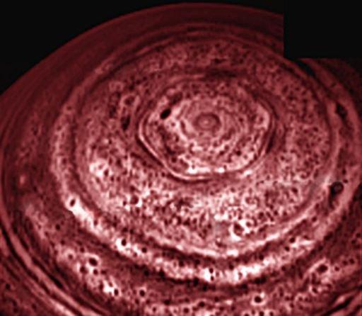 Heksagon na Saturnie na paśmie podczerwieni / Credits - NASA, JPL